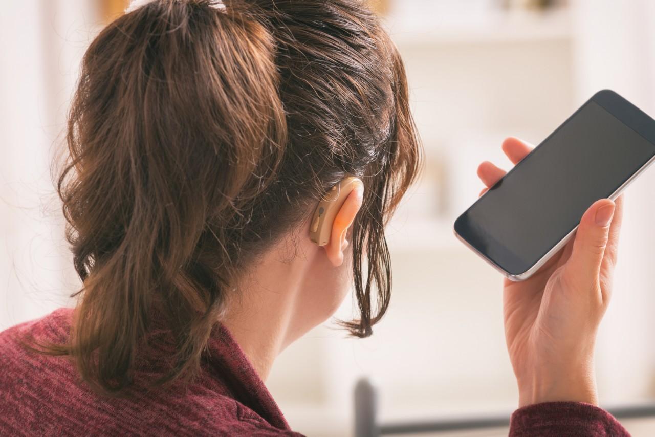 Un service de traduction pour les appels téléphoniques des sourds et malentendants opérationnel depuis le 8 octobre