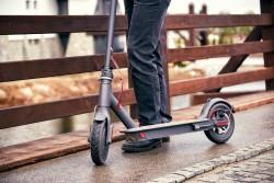 La ministre des Transports confirme l'entrée des trottinettes électriques dans le Code de la route
