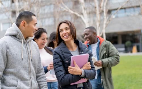Attirer les étudiants étrangers en facilitant la délivrance des visas