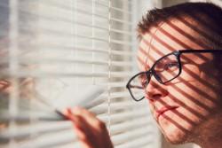 Une fenêtre ne peut être obstruée par une construction voisine