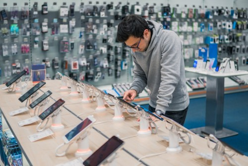 Baisse des ventes de smartphones en 2018 au profit d'objets connectés