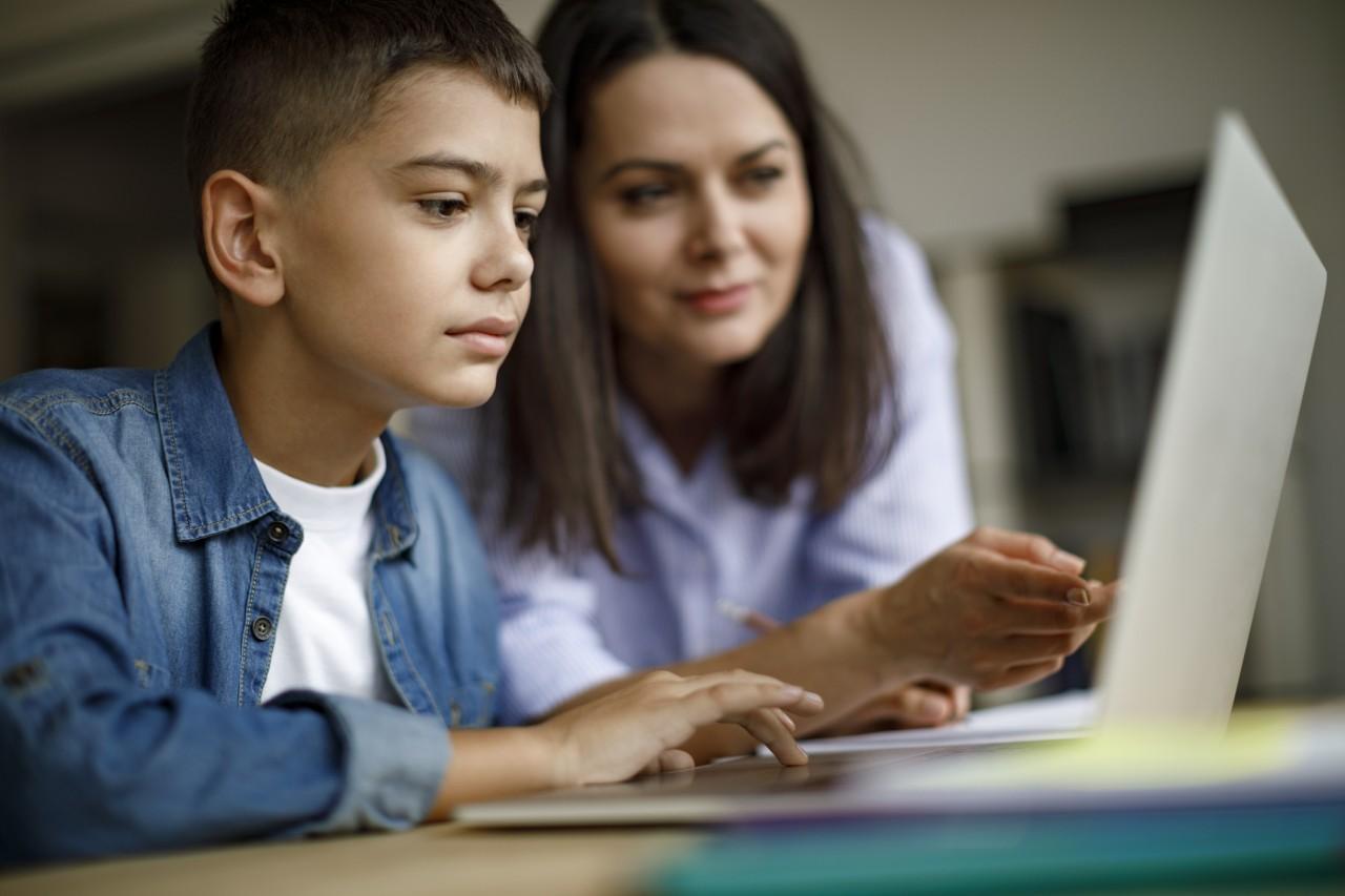Le CSA demande aux parents de communiquer avec leurs enfants à propos de ce qu'ils voient sur les écrans