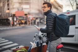Livreur de repas à vélo: la justice reconnaît un lien de subordination entre Take Eat Easy et un coursier autoentrepreneur
