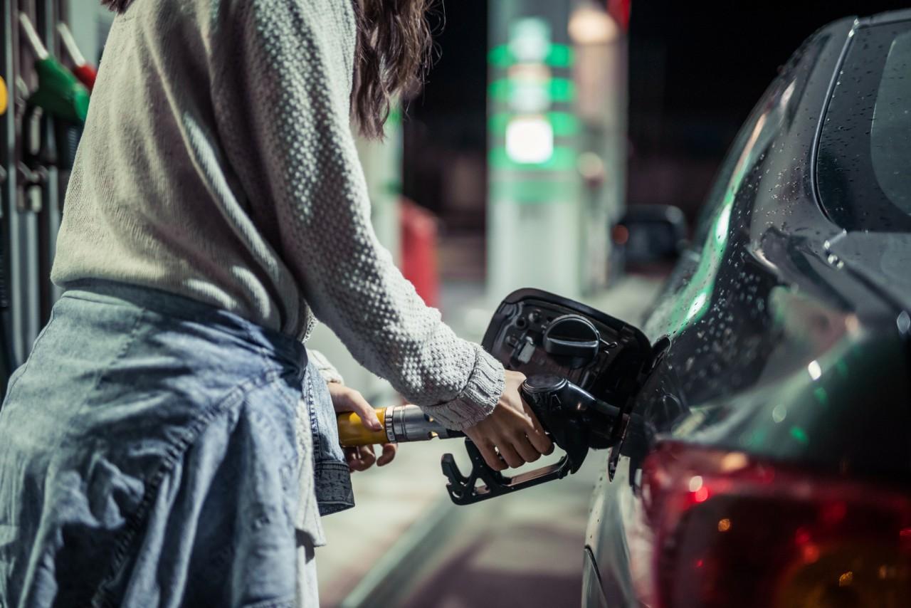 Le blocage des dépôts pétroliers provoque des pénuries d'essence dans certaines régions