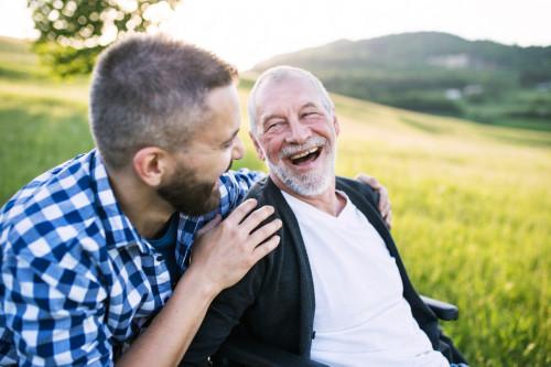 Gestion de patrimoine: l'enfant aidant un parent âgé n'est pas responsable en cas irrégularités lors de la succession