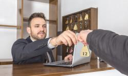 Travailler pendant un arrêt maladie ne remet pas nécessairement en cause l'obligation de loyauté du salarié