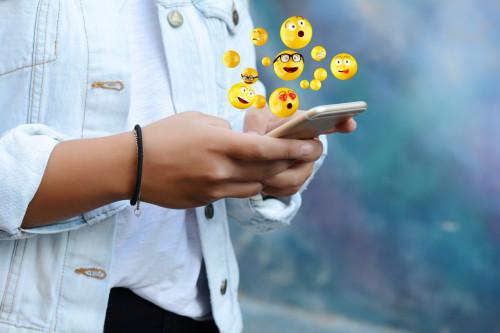 Emojis handicap et menstruations sur les téléphones en 2019