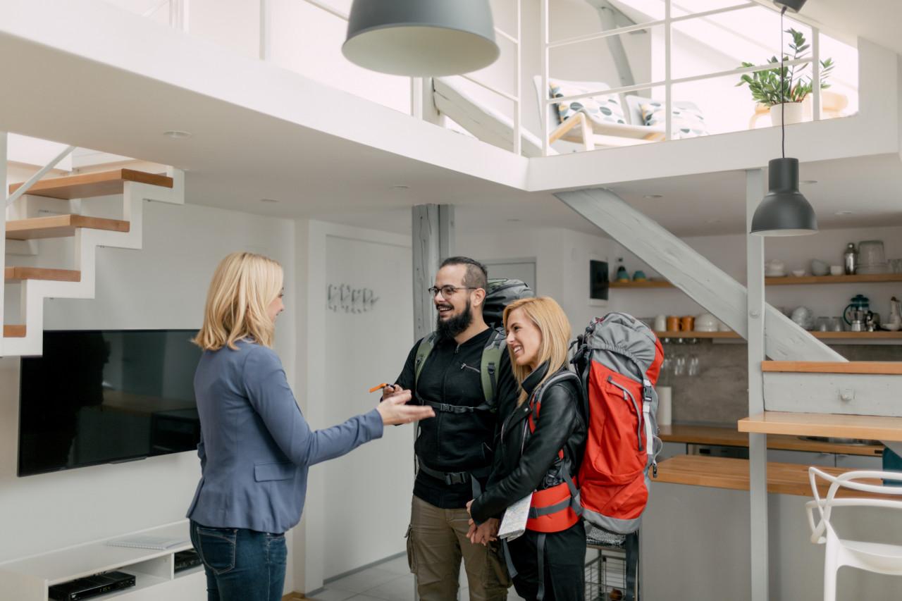 Airbnb attaqué en justice par la ville de Paris pour avoir mis en ligne des logements non enregistrés