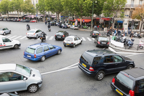 Circulation Paris: 90€ d'amende pour encombrement d'un carrefour