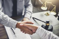 Avocat gratuit: l'aide juridictionnelle est un droit, mais il ne faut pas en abuser