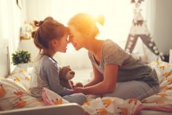 Un mineur a-t-il le choix d'aller habiter chez sa mère ou son père?