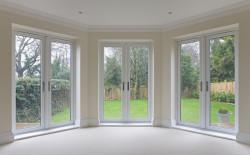 Terrasse et baie vitrée: on ne peut pas faire chez soi ce que l'on reproche à un voisin