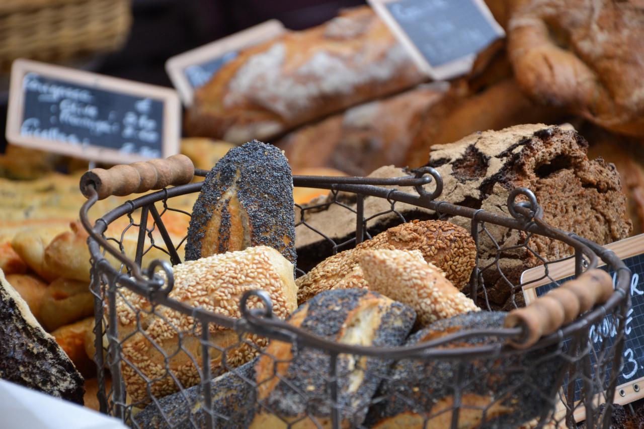 Des taux de morphine et codéine trop élevés dans certains pains aux graines de pavot
