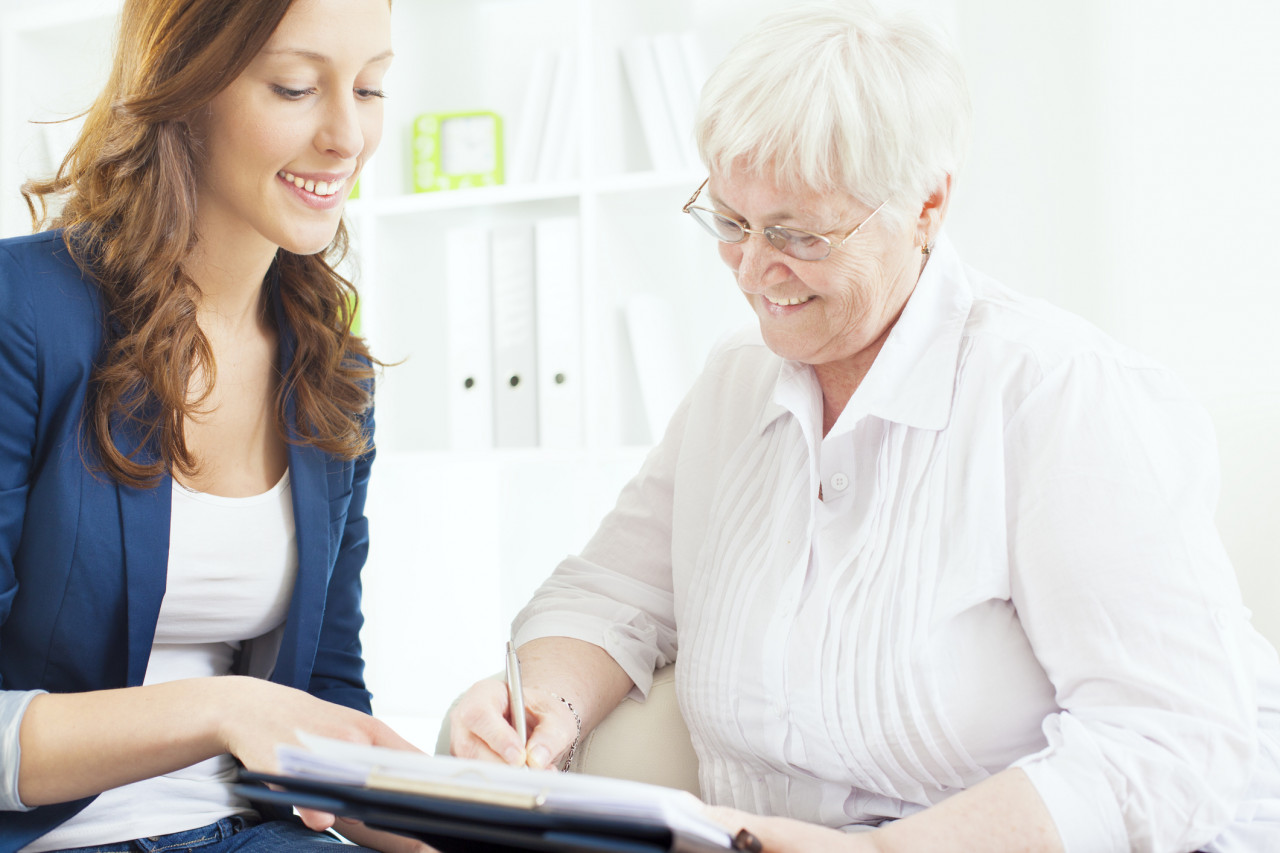 L'époux survivant déshérité peut demander une pension alimentaire aux héritiers