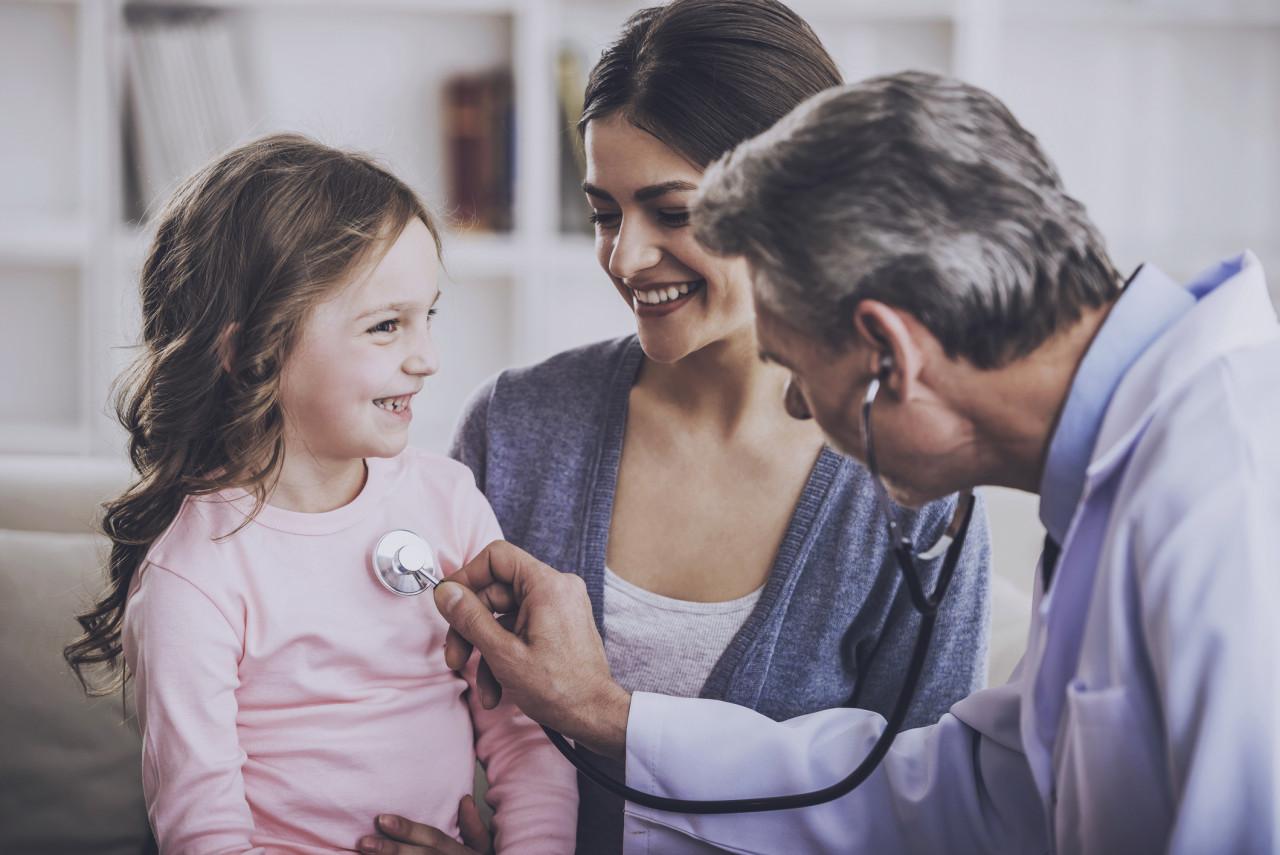 Examens médicaux obligatoires: nouveau calendrier à respecter par les familles