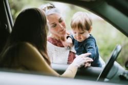 Pajemploi verse le salaire de l'assistante maternelle des parents employeurs