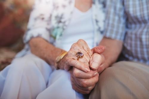 Revalorisation de l'ASPA jusqu'en 2020 : 30 euros de plus en avril 2018 pour le minimum vieillesse
