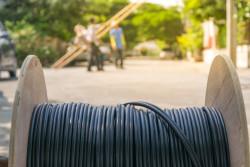 Déploiement de la fibre dans les zones rurales, des négociations entre RIP et opérateurs