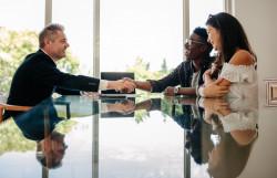 Le vendeur d'un bien immobilier peut reprocher à son agent de ne pas l'avoir empêché de tromper l'acheteur