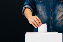 Expérimentation du vote à 16 ans dans 12 lycées parisiens