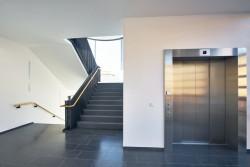 Les charges d'ascenseur en copropriété dépendent de l'étage