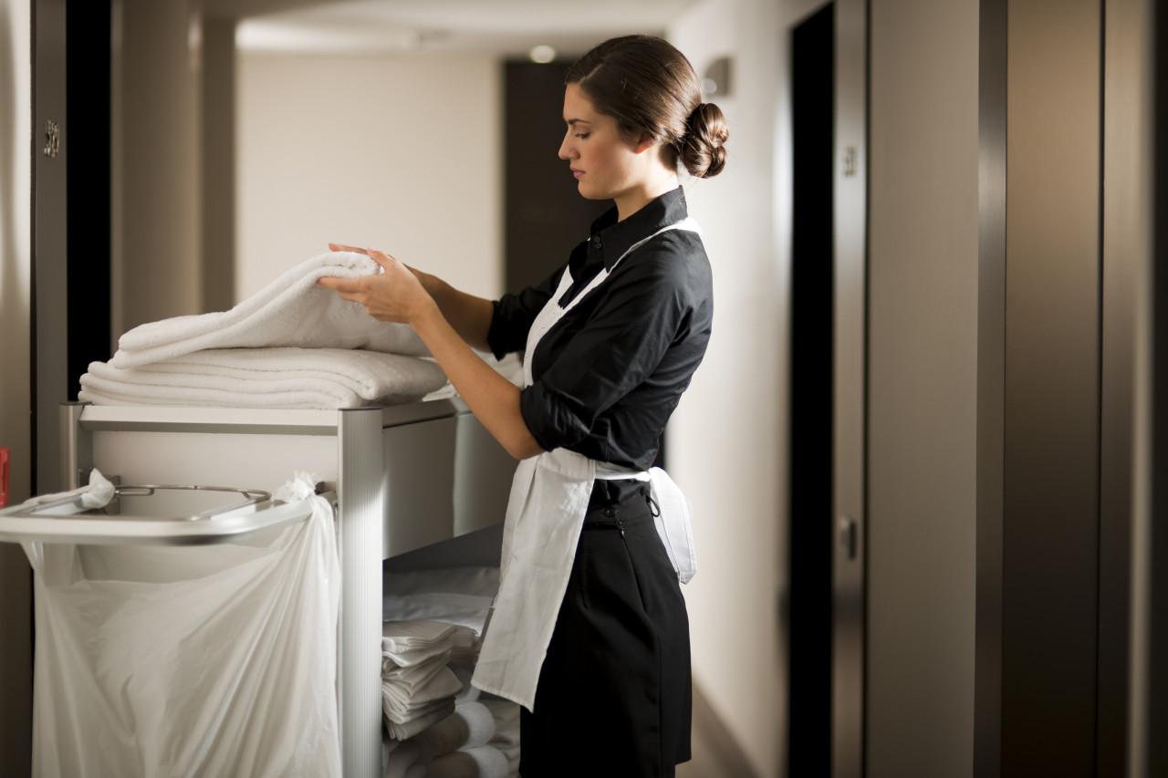 Améliorer les conditions de travail des femmes de chambre et agents de nettoyage