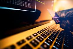 Fraude à la carte de paiement en ligne : la banque est-elle tenue de rembourser le client ?