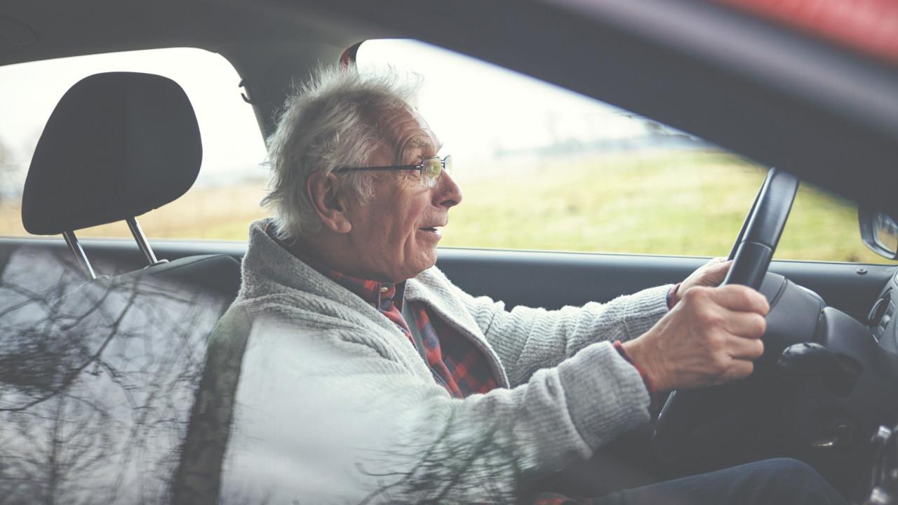 Doit-on contrôler l'aptitude des seniors à prendre le volant?
