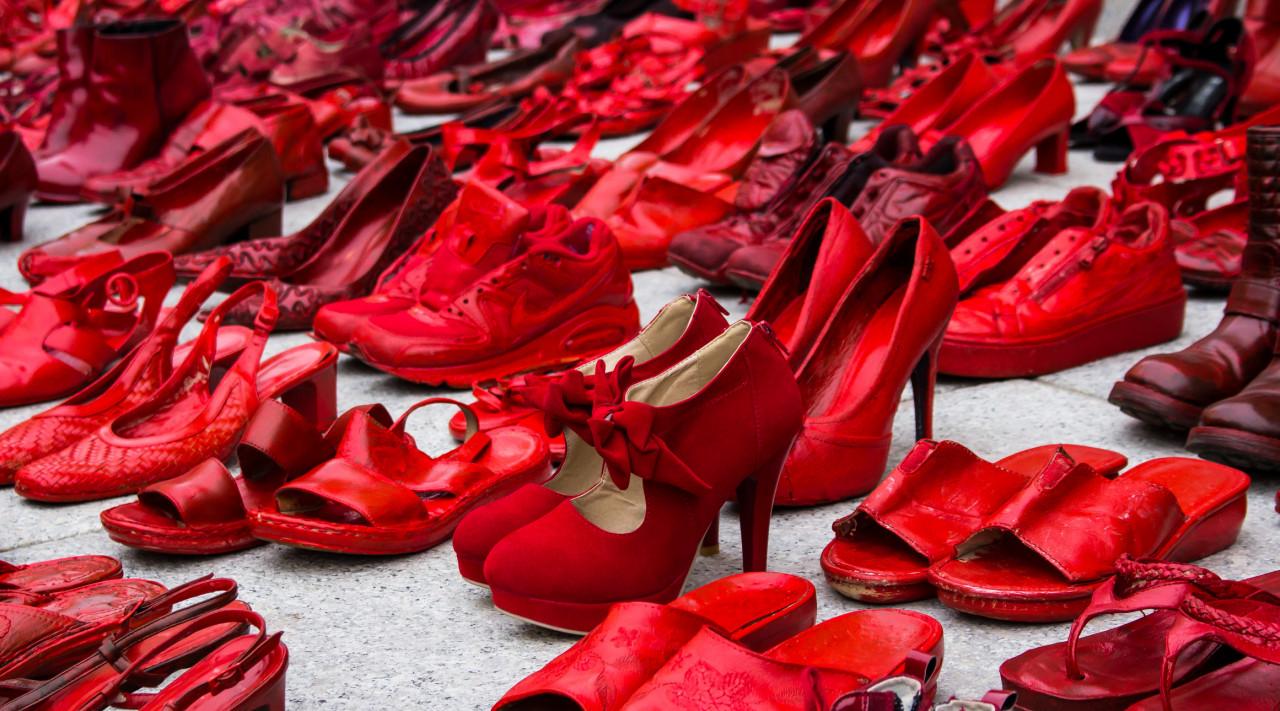 Des mesures pour endiguer les féminicides : bracelet anti-rapprochement, TGD et ordonnance...