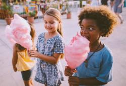 Les enfants consomment trop de sucre selon l'Anses