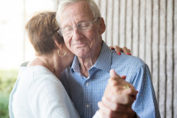 Alzheimer : Un test sanguin pour anticiper l'apparition de la maladie