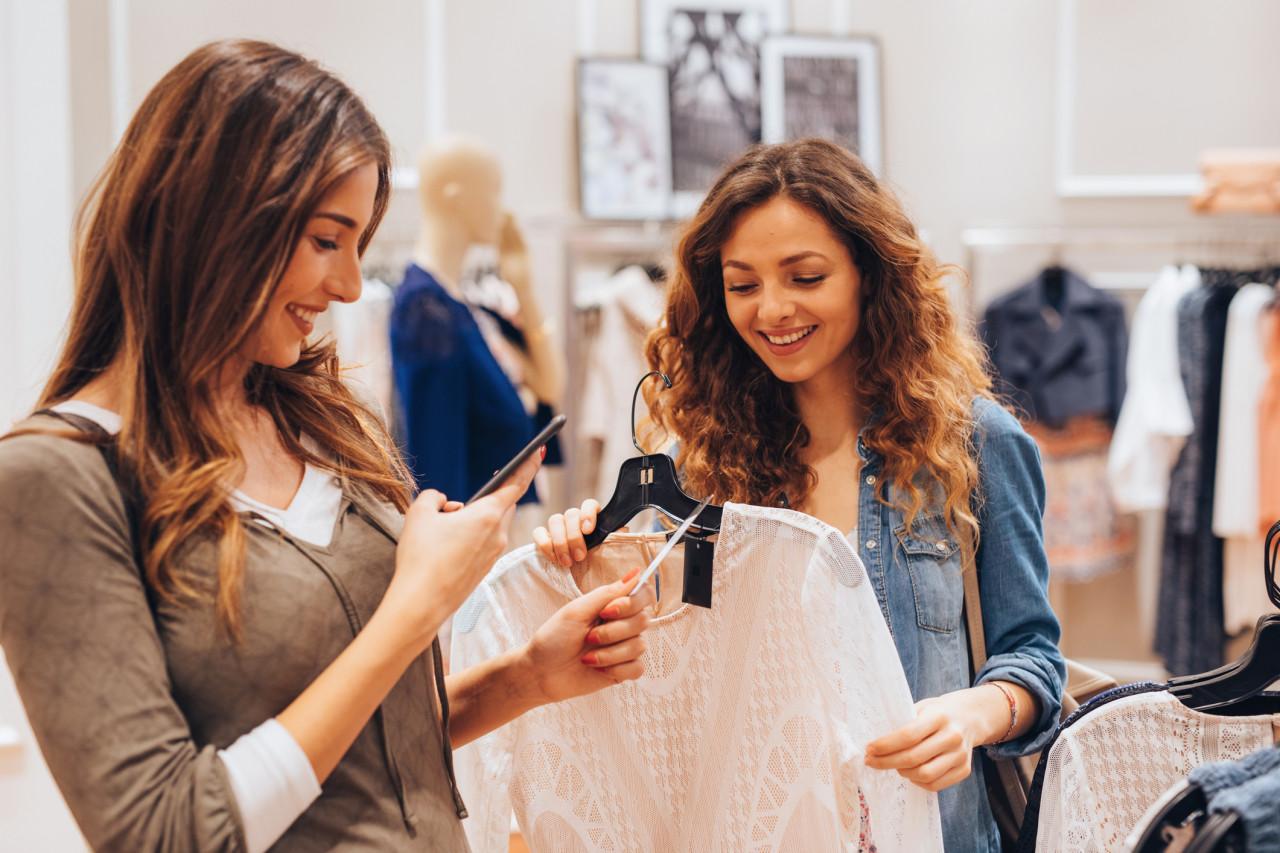 Provenance et composition des vêtements : Des solutions pour améliorer leur traçabilité