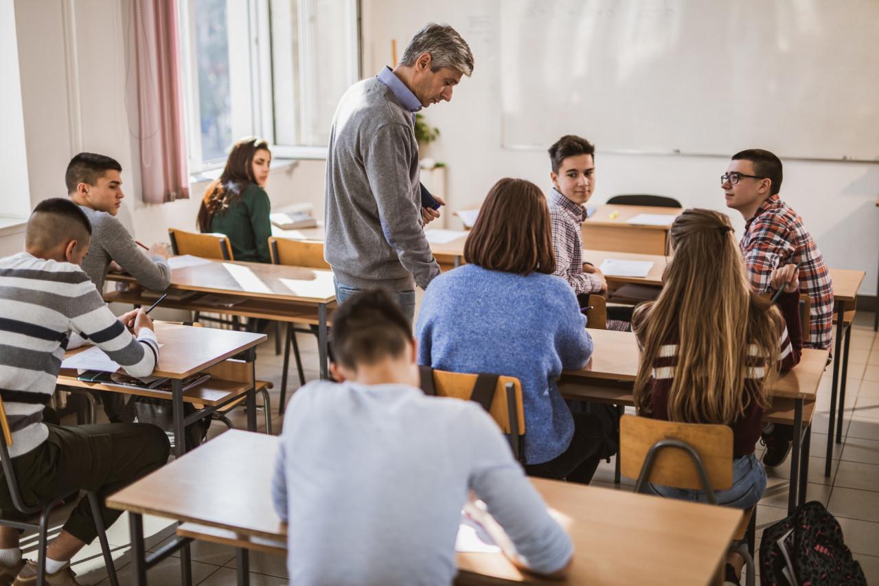 Lutte contre le décrochage scolaire : 5 lycées franciliens expérimentent le début des cours à 9h