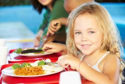 Plus de menus végétariens dans les cantines réclamés par les associations