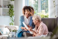 Déléguer le paiement des salaires des employés à domicile au Cesu+