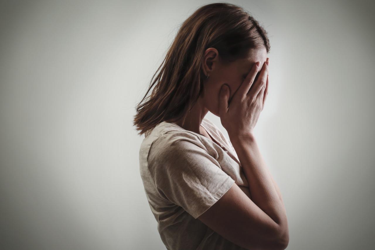 Violences conjugales: l'assemblée adopte le bracelet anti-rapprochement et téléphone «grave danger»