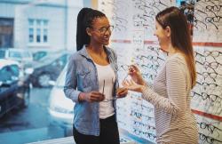 Optique et appareils auditifs: de nouvelles règles à respecter pour mieux informer les consommateurs à partir du 1er janvier 2018