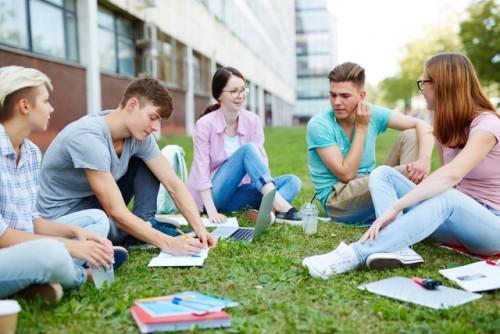 Lycée: vers la fin des séries S, ES et L à partir de 2021