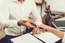 La maladie grave n'excuse pas forcément un retard chez le notaire pour signer une vente