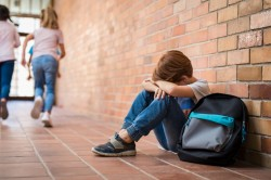 Harcèlement à l'école : les solutions pour les victimes d'agression au sein d'un établissement et en-dehors