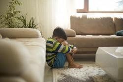 L'État soutient financièrement 30 départements pour la protection de l'enfance