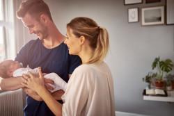 Congé deuxième parent d'un mois rémunéré à 100 % dans 105 entreprises