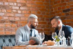 Travailleurs indépendants : Frais de repas déductibles de l'impôt sur le revenu 2020