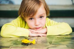 Signaler un enfant en danger : appeler le numéro d'urgence 119