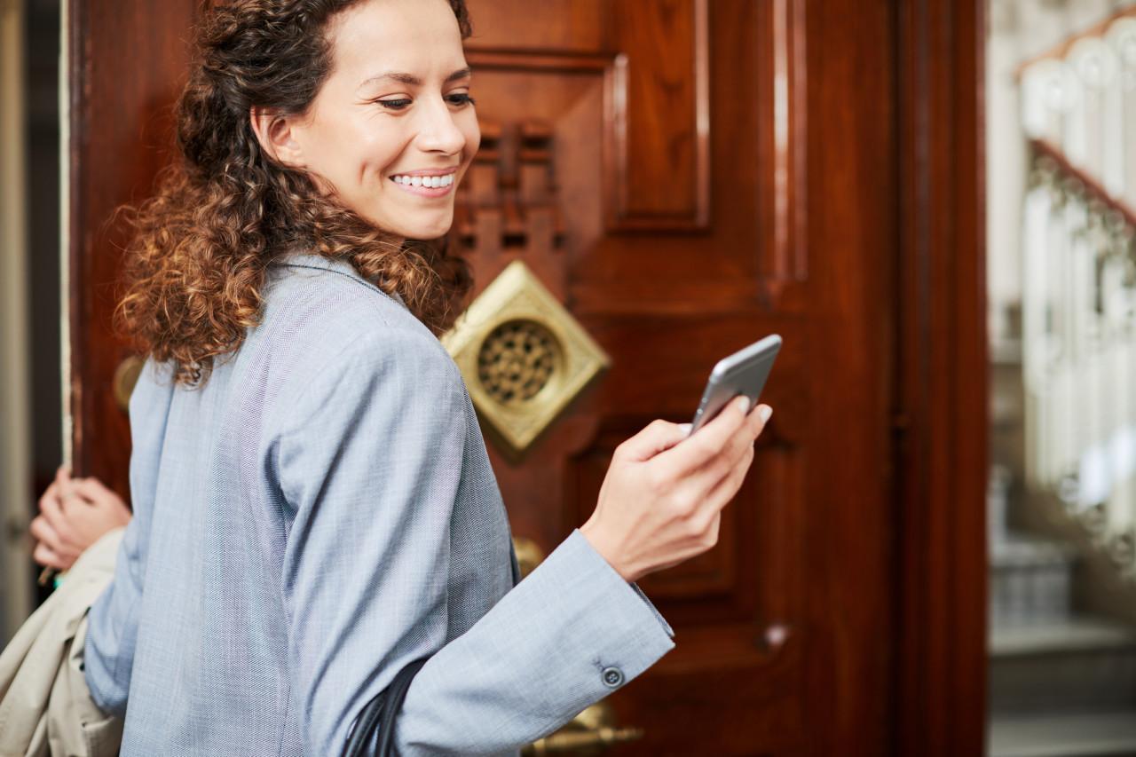 L'attestation de déplacement dérogatoire peut être présentée sur smartphone depuis le 6 avril