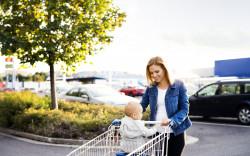 Une adresse mail pour signaler les supermarchés qui refusent les parents isolés avec enfants