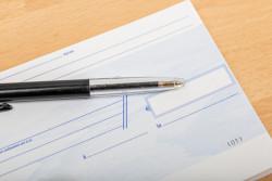 Un chèque peut être établi à l'ordre de deux personnes distinctes