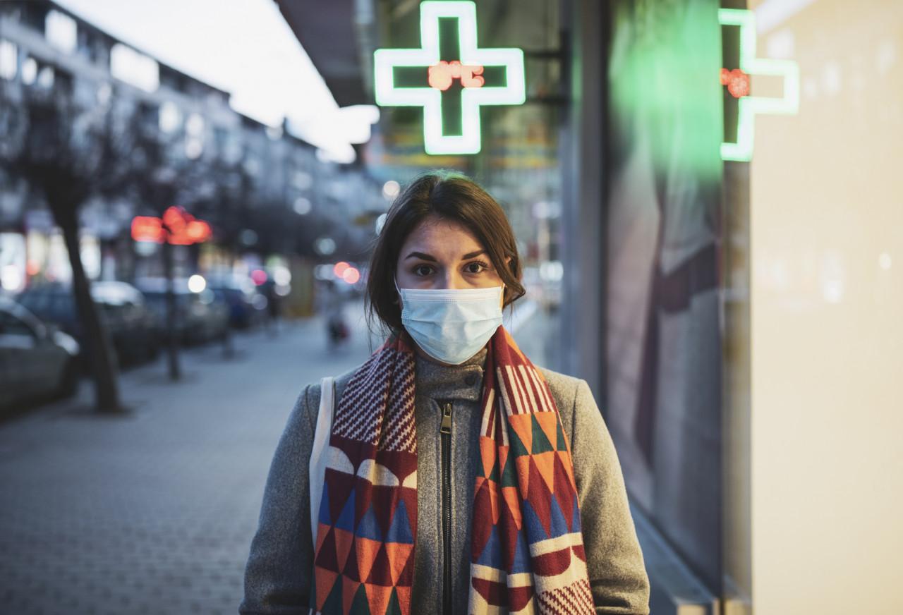 La vente de masques autorisée en pharmacie