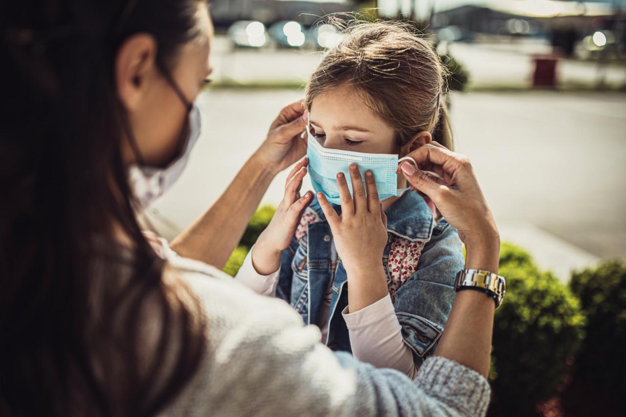 Des masques en vente dans les grandes surfaces dès le 4 mai