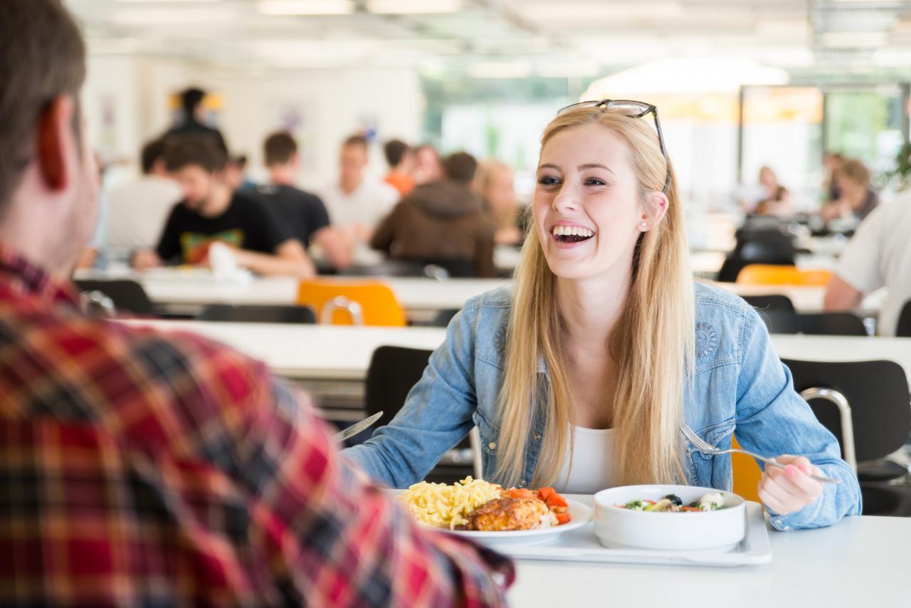 Étudiants : les repas des restaurants universitaires à 1 €
